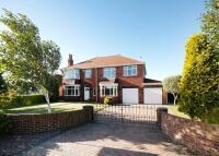 5 bedroom Detached property for sale in Spring Lane, Sprotbrough