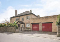 Detached home in 14 Armthorpe Lane...