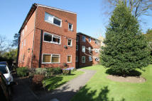 2 bedroom Flat to rent in Azalea Court...