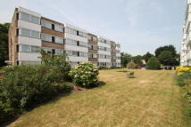 Queenswood Gardens Flat to rent