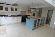 4 bed Terraced house in Ringmer Avenue, London...