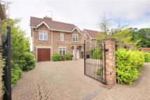 4 bedroom Detached home in Sandalwood Close, Arkley...