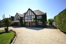 6 bed Detached property in Camlet Way, Hadley Wood