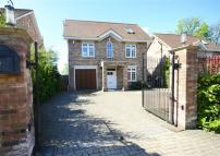 6 bedroom Detached home in Sandalwood Close, Arkley...