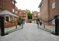 Apartment in Hammers Lane, Mill Hill...
