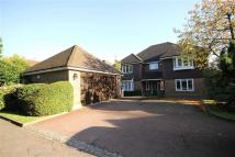 5 bed Detached house in Barnet Road, Arkley...