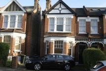 2 bedroom Apartment to rent in Palmers Green