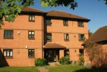 1 bed Studio flat in COLNBROOK