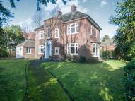 4 bedroom Detached home in Central Avenue...