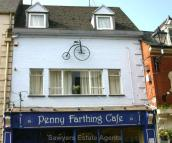 2 bed Flat in High Street, Stroud