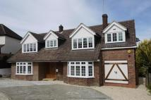 4 bed Detached house in Warwick Avenue, Cuffley...