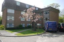 2 bedroom Ground Flat to rent in Lambs Close, Cuffley, EN6