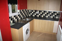 2 bedroom Terraced house to rent in Neath Road, Morriston...