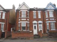 4 bed house in Avondale Road, Luton