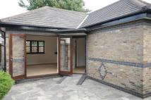 1 bed Detached Bungalow in Halifax Road, Enfield...