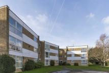 2 bed Ground Flat in Village Road, Enfield