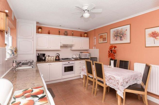 Kitchen-diner (1)