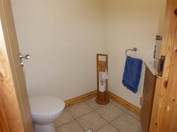 Downstairs Cloakroom/Wet Room