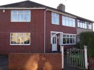 4 bedroom Studio flat in Bolton Road, Marland...
