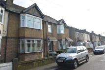 2 bed Flat in Terrick Road...