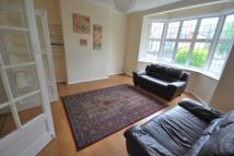 Flat to rent in Brownlow Court...
