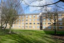 3 bed Flat to rent in Woodridings Court...