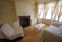 2 bedroom Flat in Lyndhurst Road, London...