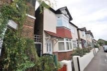 Flat to rent in Terrick Road...