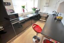 Flat to rent in Glenthorne Road...