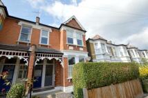 3 bedroom Flat in Crescent Road, London...