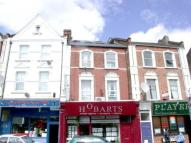 2 bed Flat to rent in Crescent Road...