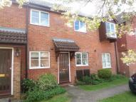 High Avenue Flat to rent