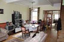 3 bedroom home in Effingham Road