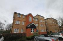 Flat to rent in Martini Drive, Enfield