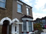 2 bed Flat to rent in Chiswick Road (GFF)...