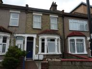 Flat to rent in Croyland Road