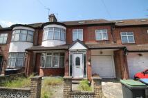 7 bedroom home in Pentyre Avenue, London