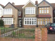 3 bed Terraced home in Howard Road, Woodside...