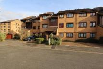 Flat to rent in Redgrave Close, Croydon...