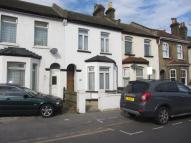 3 bed Terraced property in Davidson Road, Croydon...