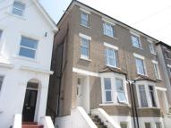 1 bed Flat to rent in Clyde Road, Addiscombe...
