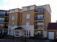 2 bed Flat to rent in Sewell Close...