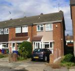 2 bedroom property to rent in Rushdon Close, Grays