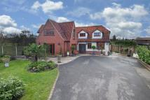 5 bed Detached home in North Road...