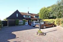 3 bed Detached property for sale in Lambourne Road, Chigwell