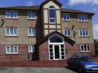 Flat to rent in Chequers Court...