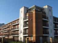 Flat to rent in Chantry Close, London...