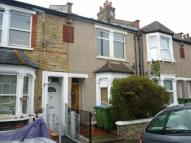 1 bed Terraced home in Federation Road, London...