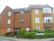 Flat to rent in Shearwood Crescent...