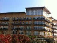 2 bedroom Flat in Carmichael Avenue...